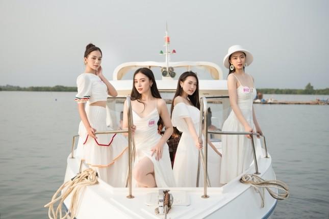 Dàn thí sinh Hoa Hậu Việt Nam 2020 khoe nhan sắc ngọt ngào trước biển trời Vũng Tàu ảnh 1