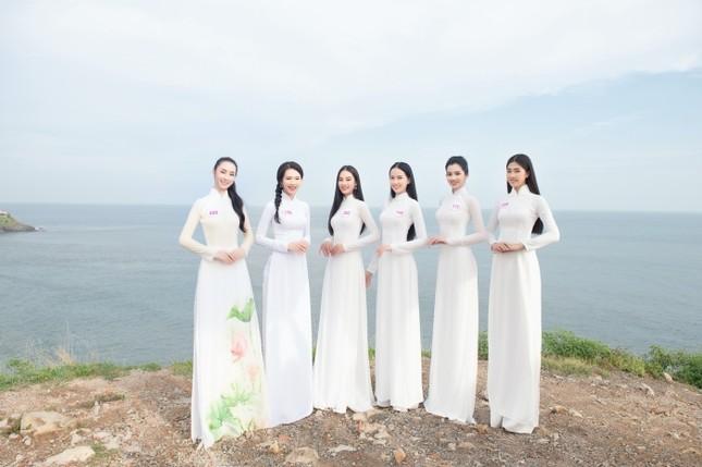 Dàn thí sinh Hoa Hậu Việt Nam 2020 khoe nhan sắc ngọt ngào trước biển trời Vũng Tàu ảnh 2