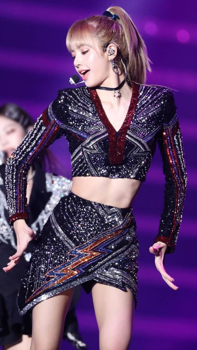 aespa lại hứng thị phi vì nhân vật ảo của Ningning giống y chang Lisa (BLACKPINK) ảnh 4