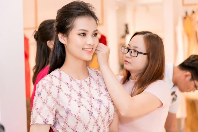 Từ đầm dài đến váy công chúa, Top 35 Hoa Hậu Việt Nam 2020 hứa hẹn một đêm thi Thời trang mãn nhãn ảnh 3
