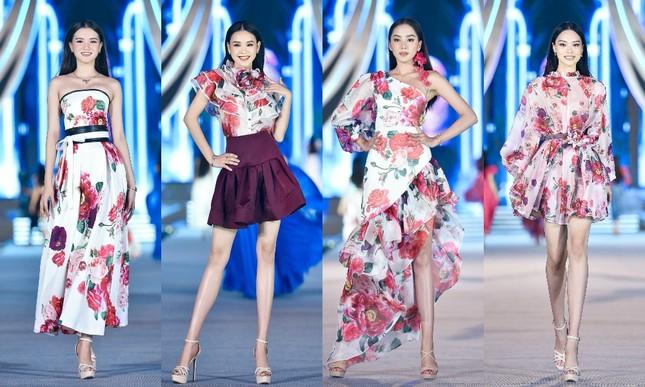 Hoa hậu Đỗ Mỹ Linh vừa là giám khảo vừa là vedette đêm Người đẹp Thời trang ảnh 1