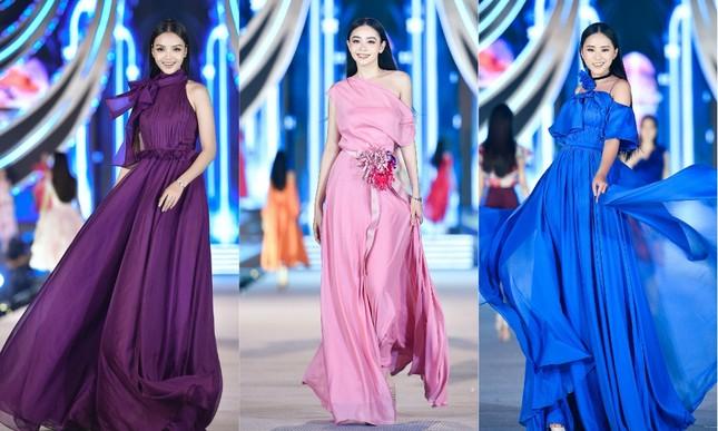 Hoa hậu Đỗ Mỹ Linh vừa là giám khảo vừa là vedette đêm Người đẹp Thời trang ảnh 4