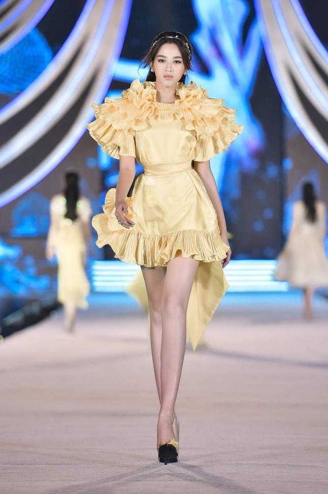 Khám phá profile ấn tượng của Top 5 Người đẹp Thời trang Hoa Hậu Việt Nam 2020 ảnh 11