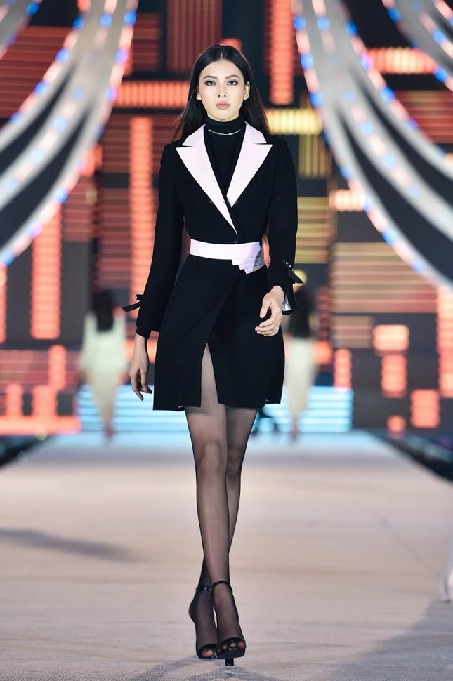 Khám phá profile ấn tượng của Top 5 Người đẹp Thời trang Hoa Hậu Việt Nam 2020 ảnh 8