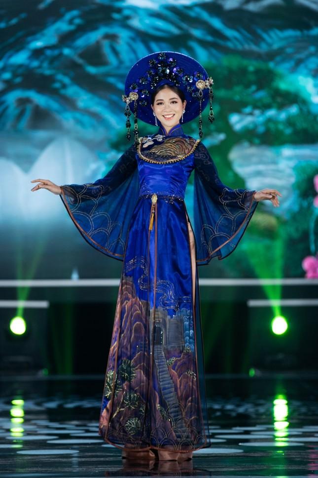 Hoa hậu Mỹ Linh ăn chay để hóa thân thành Thánh Mẫu trong màn trình diễn áo dài ảnh 9
