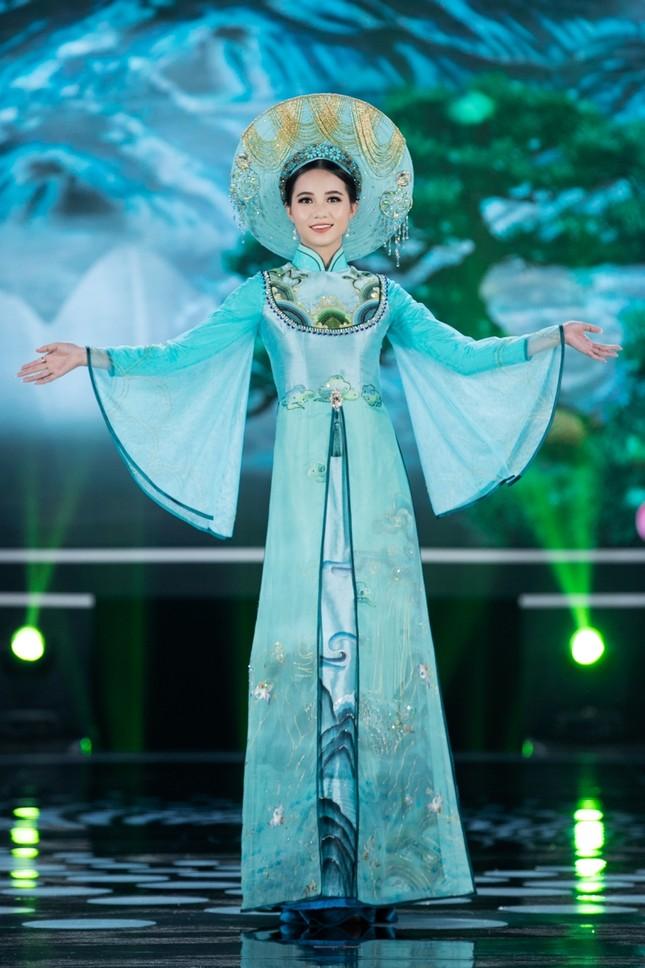 Hoa hậu Mỹ Linh ăn chay để hóa thân thành Thánh Mẫu trong màn trình diễn áo dài ảnh 6