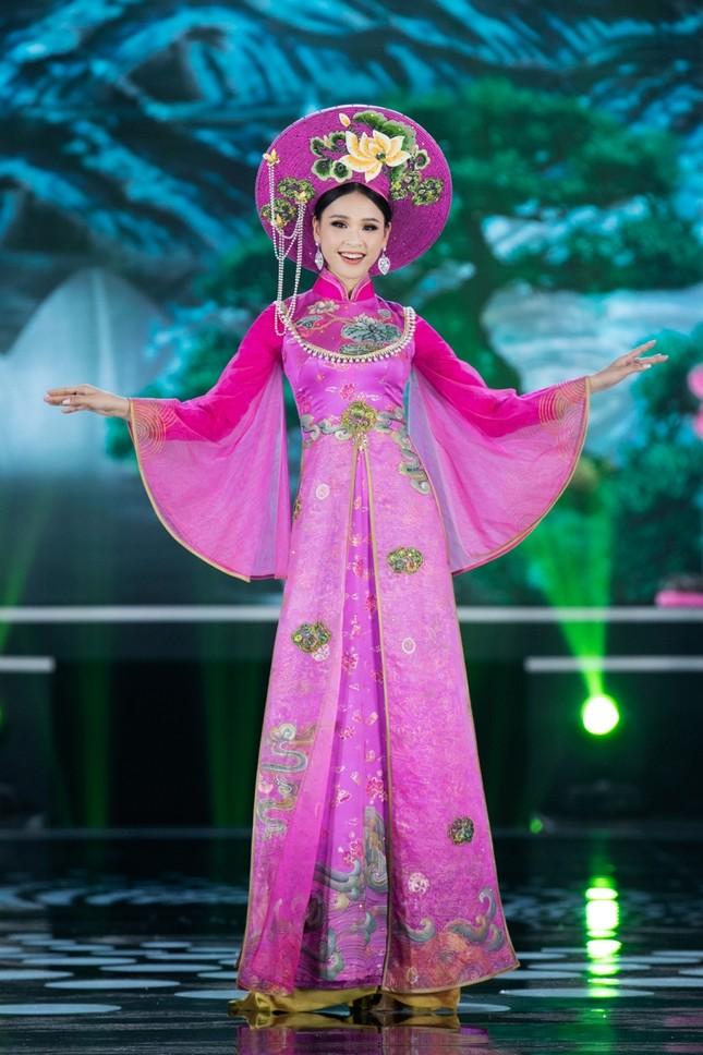 Hoa hậu Mỹ Linh ăn chay để hóa thân thành Thánh Mẫu trong màn trình diễn áo dài ảnh 10