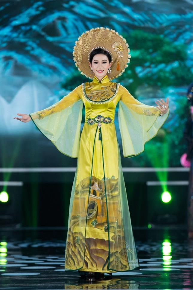 Hoa hậu Mỹ Linh ăn chay để hóa thân thành Thánh Mẫu trong màn trình diễn áo dài ảnh 8