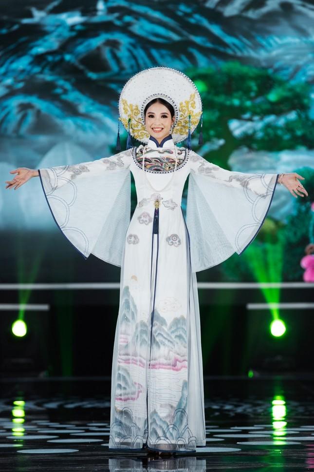 Hoa hậu Mỹ Linh ăn chay để hóa thân thành Thánh Mẫu trong màn trình diễn áo dài ảnh 7