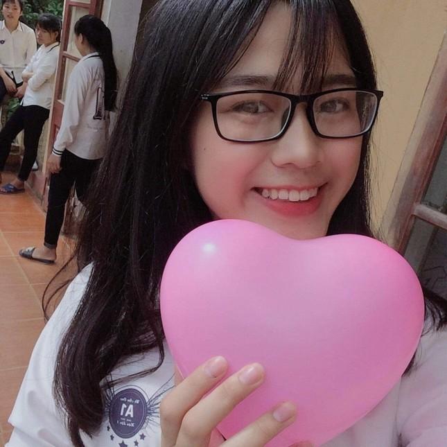 Hoa Hậu Việt Nam 2020 Đỗ Thị Hà: Xinh đẹp đáng yêu từ bé, ai cũng phải xuýt xoa ảnh 2
