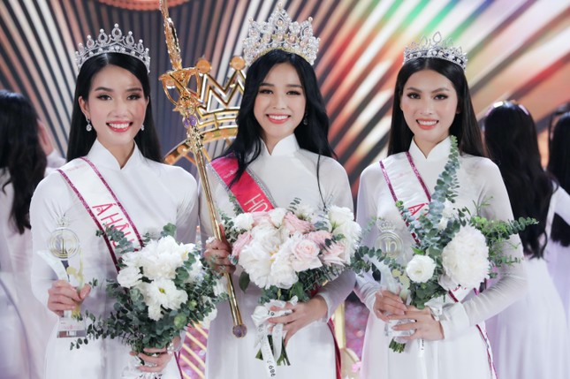 Hoa Hậu Việt Nam 2020 Đỗ Thị Hà: Xinh đẹp đáng yêu từ bé, ai cũng phải xuýt xoa ảnh 8
