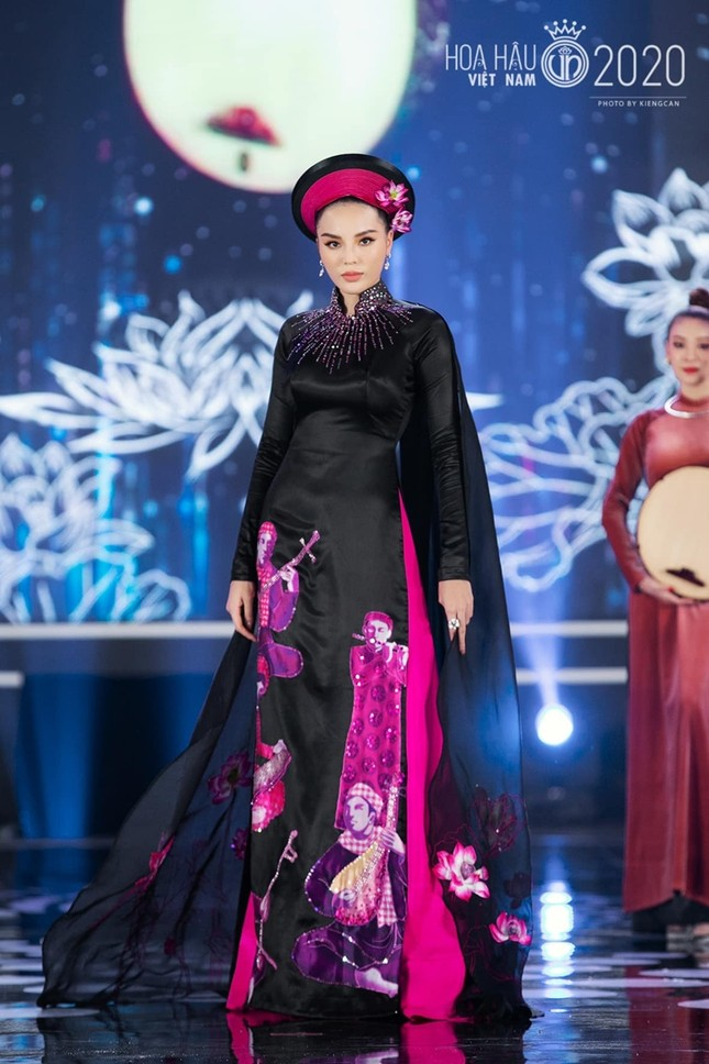 Nhan sắc đẳng cấp của 5 cựu hoa hậu từ thảm đỏ tới hậu trường đêm CK Hoa Hậu Việt Nam 2020 ảnh 14