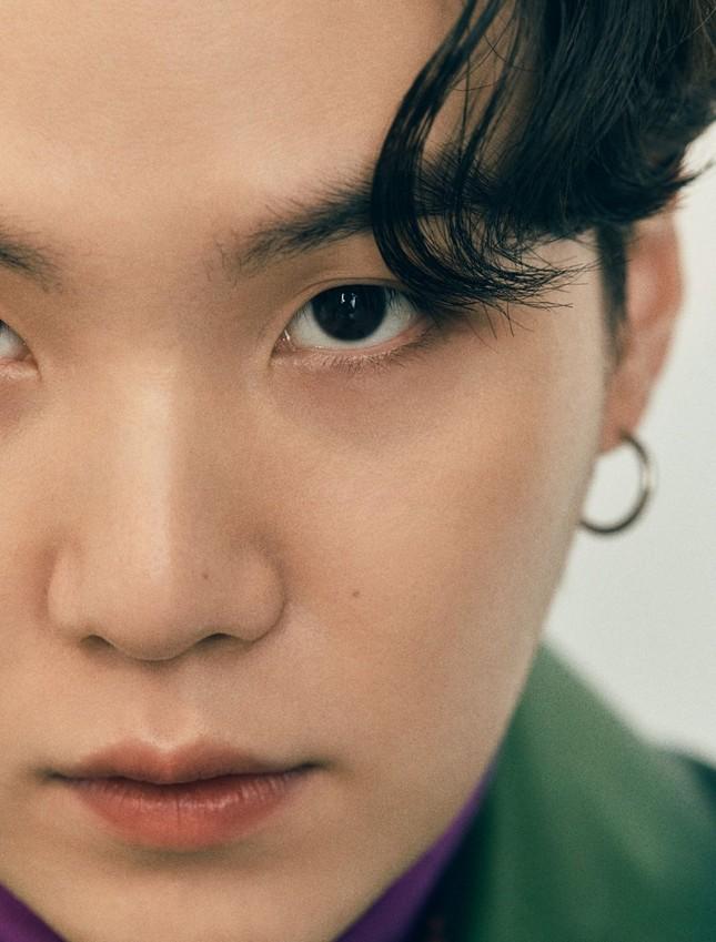 Xuất hiện như người mẫu trên bìa Esquire, BTS chia sẻ quan điểm về sự nam tính ảnh 3