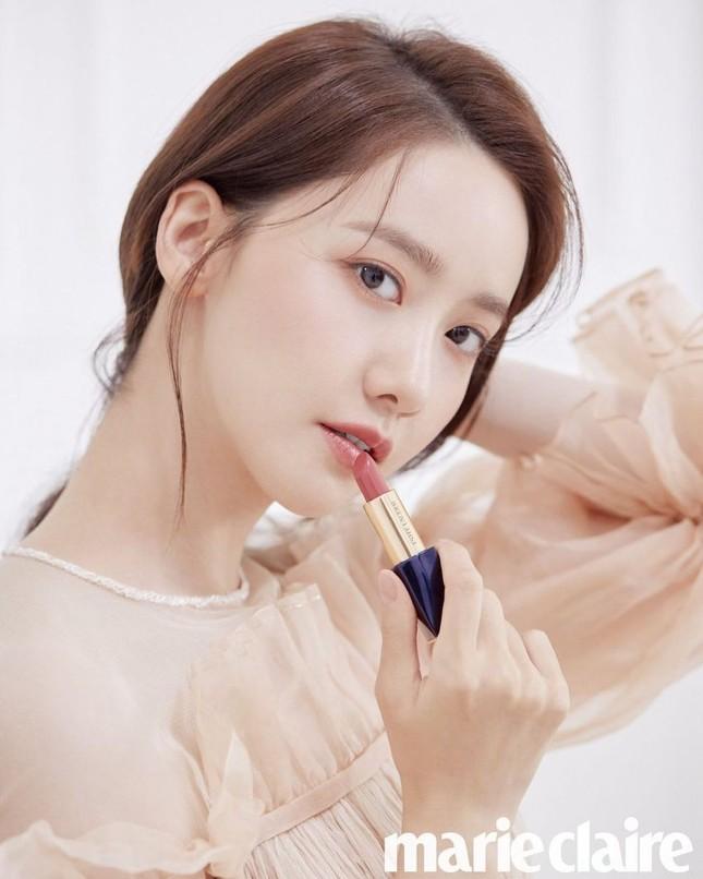 """Netizen Hàn đổi danh xưng từ """"nữ thần"""" sang """"công chúa"""" cho Yoona chỉ vì tấm ảnh bìa này ảnh 7"""