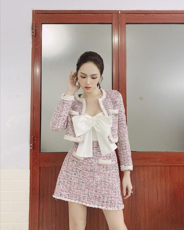 Mỹ nhân Việt đọ sắc với trang phục dạ: Lan Ngọc, Ngọc Trinh, DJ Mie, ai mix đồ cao tay hơn ảnh 6