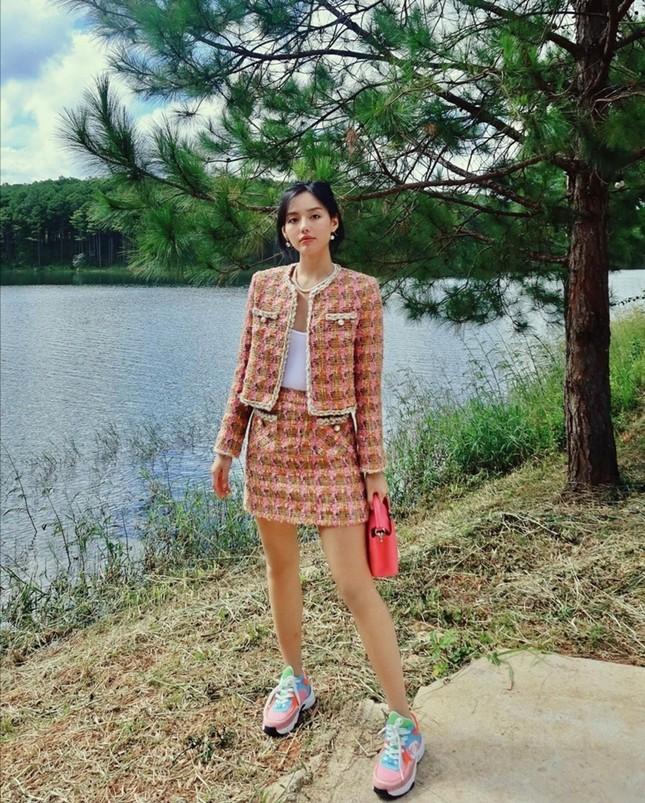 Mỹ nhân Việt đọ sắc với trang phục dạ: Lan Ngọc, Ngọc Trinh, DJ Mie, ai mix đồ cao tay hơn ảnh 4