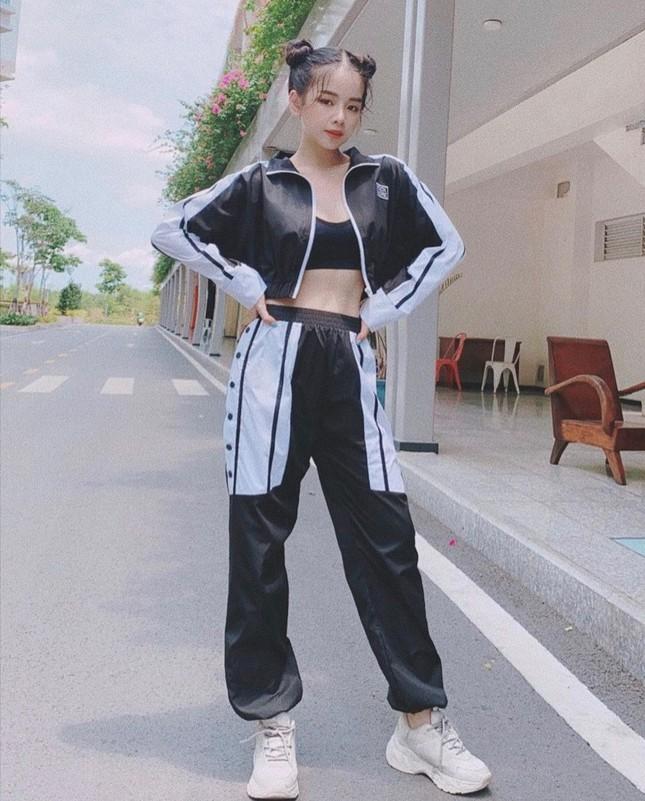 """Ngắm gu thời trang chuẩn fashionista của Mie, DJ xinh đẹp của show """"Rap Việt"""" ảnh 2"""