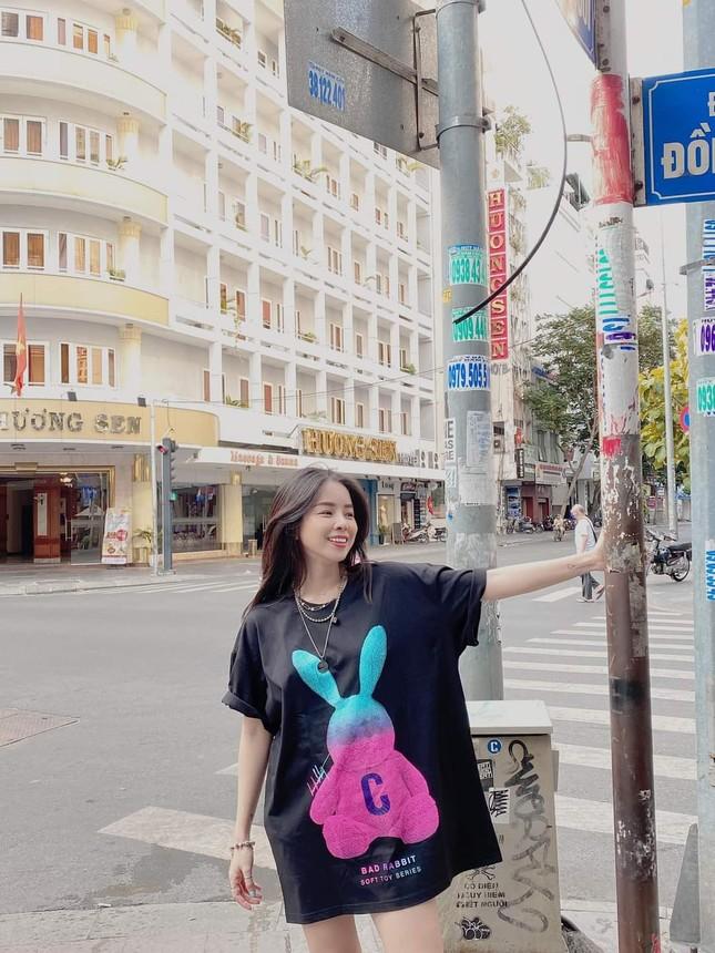 """Ngắm gu thời trang chuẩn fashionista của Mie, DJ xinh đẹp của show """"Rap Việt"""" ảnh 4"""