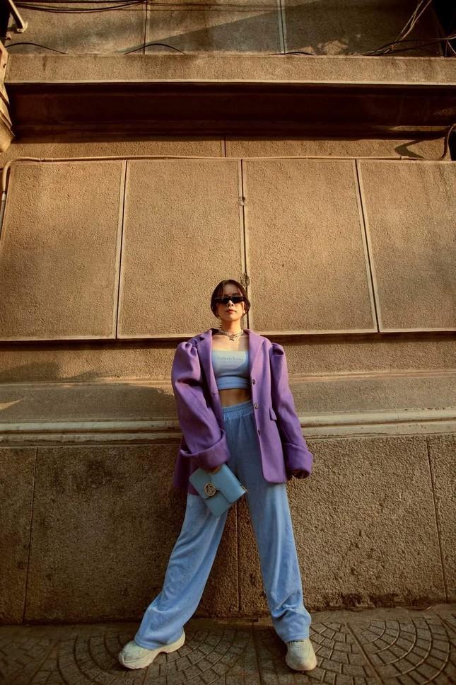 """Ngắm gu thời trang chuẩn fashionista của Mie, DJ xinh đẹp của show """"Rap Việt"""" ảnh 12"""