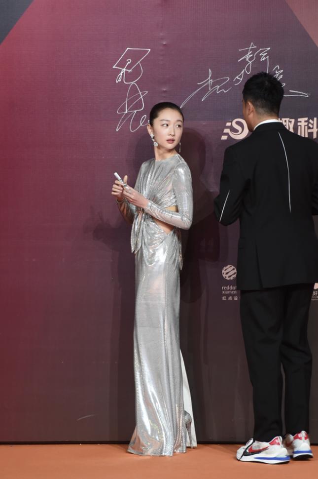 Thảm đỏ Kim Kê: Quan Hiểu Đồng xinh như công chúa, Lý Hiện nổi bật trong dàn nam thần ảnh 5