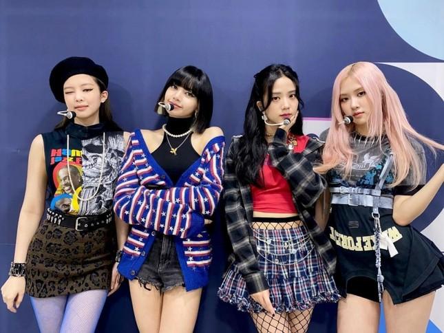 Xét về trang phục sân khấu, netizen cho rằng stylist BLACKPINK thua stylist aespa ở 1 điểm ảnh 6