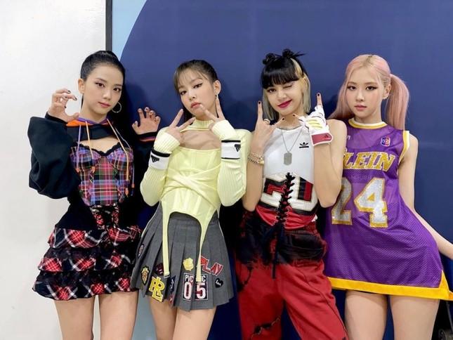 Xét về trang phục sân khấu, netizen cho rằng stylist BLACKPINK thua stylist aespa ở 1 điểm ảnh 7
