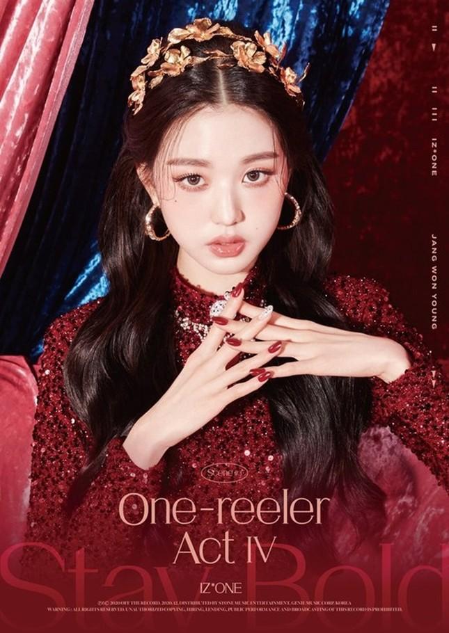 IZ*ONE tung bộ ảnh đẹp như công chúa, fan tự nhủ xinh thế này chắc sẽ được tha thứ hết ảnh 13