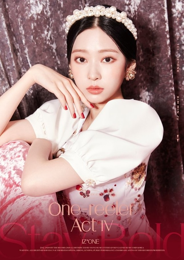 IZ*ONE tung bộ ảnh đẹp như công chúa, fan tự nhủ xinh thế này chắc sẽ được tha thứ hết ảnh 8