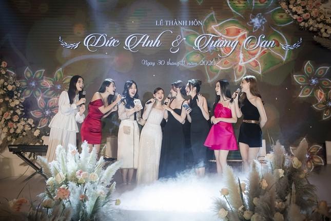 Tường San xinh như công chúa, đọ sắc với Tiểu Vy, Mỹ Linh, Lương Thùy Linh trong ngày cưới ảnh 7