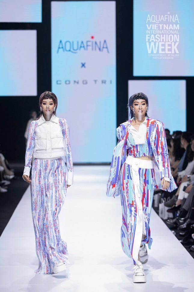 Tân Hoa hậu Đỗ Thị Hà cùng Hoa hậu Tiểu Vy, Lương Thùy Linh mở màn show diễn của Công Trí ảnh 3