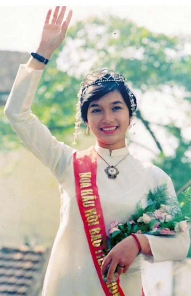 Ngắm nhan sắc sau khi đăng quang của Đỗ Thị Hà và Hoa Hậu Việt Nam qua các thời kỳ ảnh 17