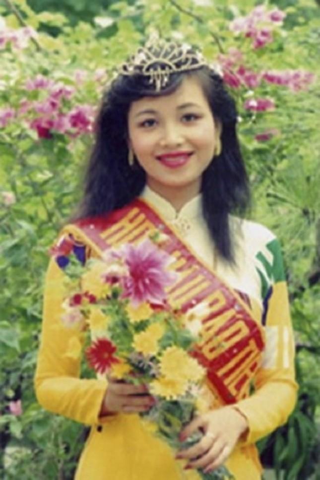 Ngắm nhan sắc sau khi đăng quang của Đỗ Thị Hà và Hoa Hậu Việt Nam qua các thời kỳ ảnh 16