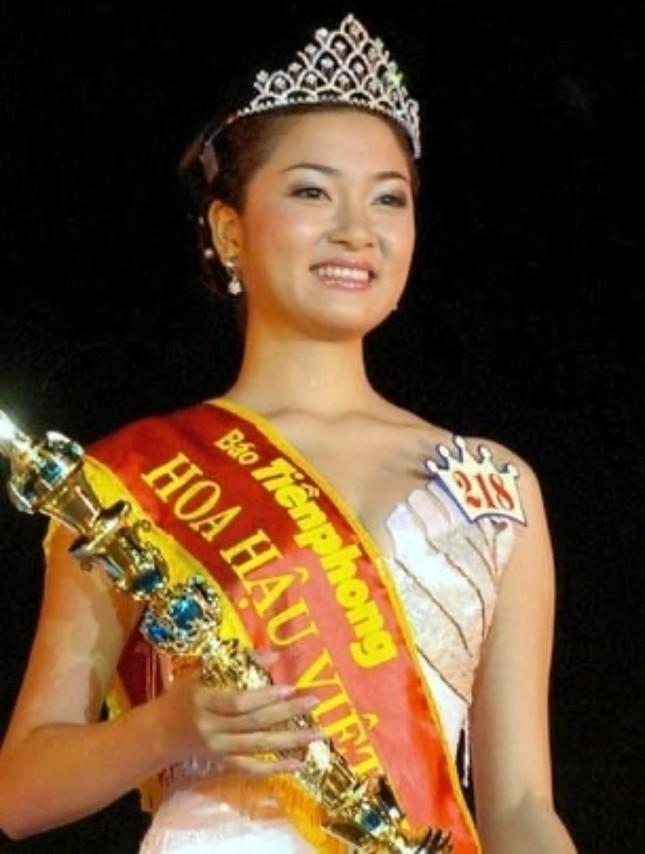 Ngắm nhan sắc sau khi đăng quang của Đỗ Thị Hà và Hoa Hậu Việt Nam qua các thời kỳ ảnh 9