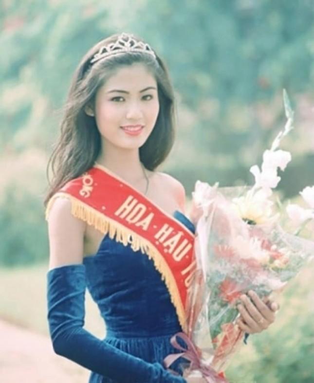 Ngắm nhan sắc sau khi đăng quang của Đỗ Thị Hà và Hoa Hậu Việt Nam qua các thời kỳ ảnh 14