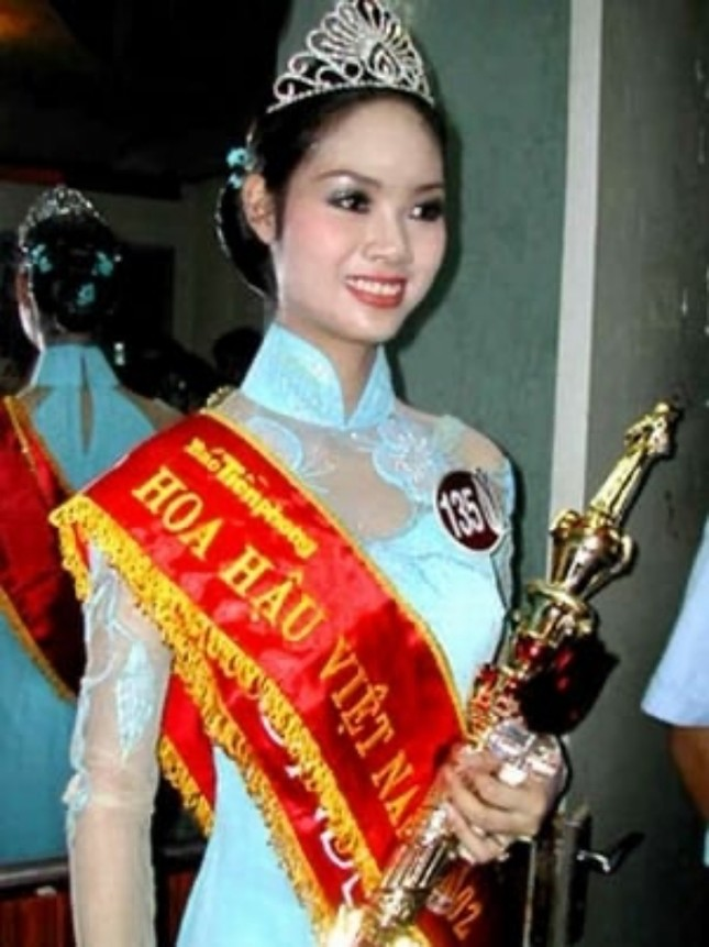 Ngắm nhan sắc sau khi đăng quang của Đỗ Thị Hà và Hoa Hậu Việt Nam qua các thời kỳ ảnh 10