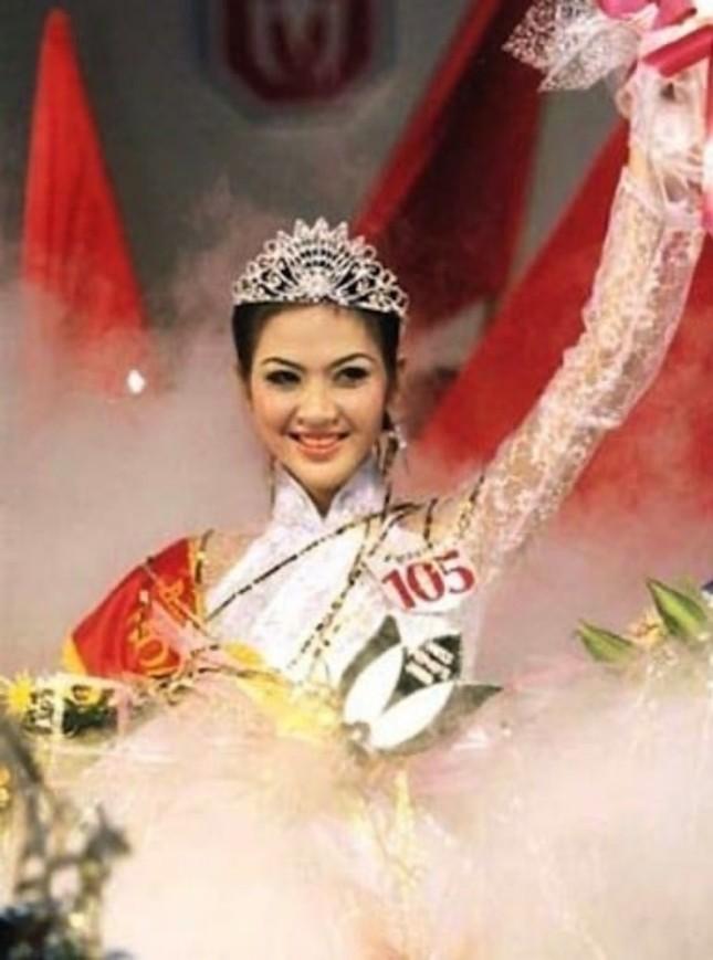 Ngắm nhan sắc sau khi đăng quang của Đỗ Thị Hà và Hoa Hậu Việt Nam qua các thời kỳ ảnh 11