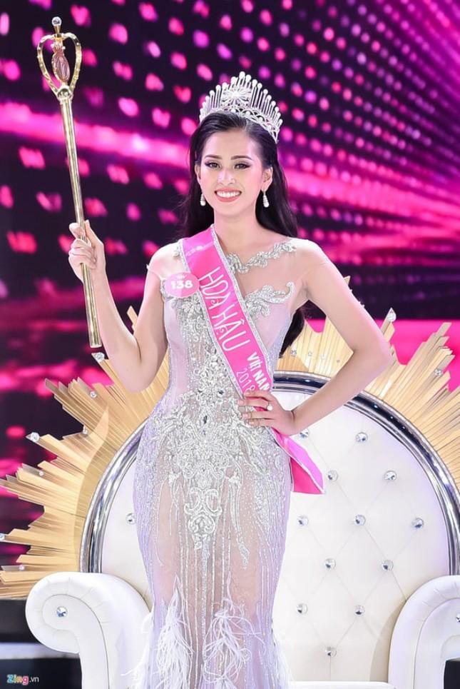 Ngắm nhan sắc sau khi đăng quang của Đỗ Thị Hà và Hoa Hậu Việt Nam qua các thời kỳ ảnh 2