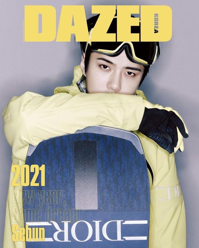 """Sehun (EXO) """"mở hàng"""" bìa tạp chí DAZED Hàn năm 2021 với chiếc quần soóc gây tranh cãi ảnh 2"""