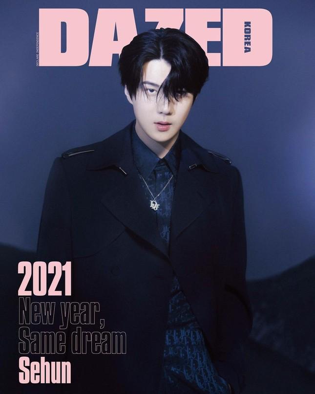"""Sehun (EXO) """"mở hàng"""" bìa tạp chí DAZED Hàn năm 2021 với chiếc quần soóc gây tranh cãi ảnh 1"""