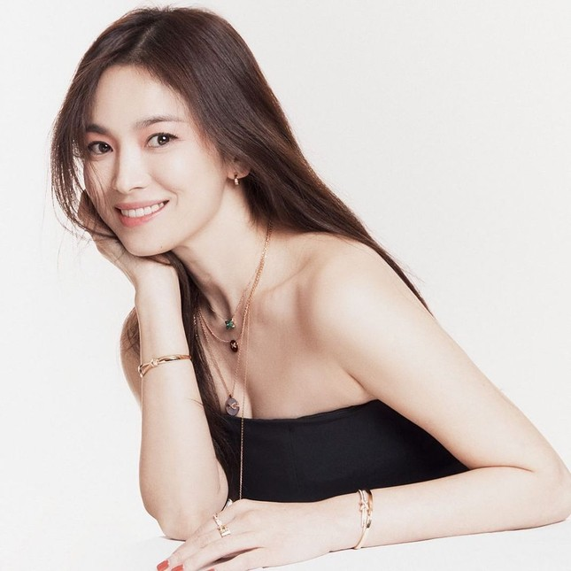 Đại minh tinh châu Á Song Hye Kyo lộ dấu hiệu lão hóa, netizen khuyên cô đừng làm điều này ảnh 4