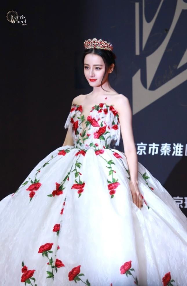 """Địch Lệ Nhiệt Ba xinh đẹp như """"công chúa hoa hồng"""" trên siêu thảm đỏ Tinh Quang Đại Thưởng ảnh 4"""