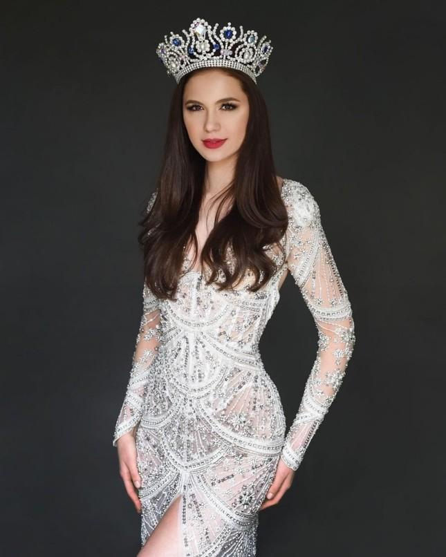 So sánh nhan sắc Hoa hậu Đỗ Thị Hà với các đối thủ sẽ tham gia Miss World 2021 ảnh 7