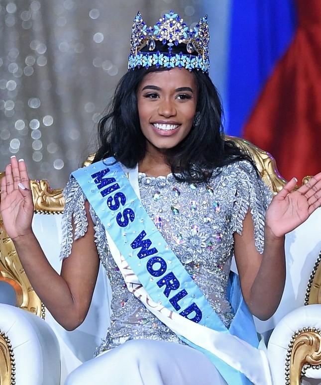 So sánh nhan sắc Hoa hậu Đỗ Thị Hà với các đối thủ sẽ tham gia Miss World 2021 ảnh 1