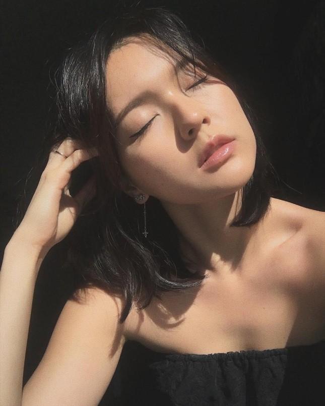 """Nhan sắc cổ điển của cô gái khiến """"sếp"""" Sơn Tùng yêu say đắm trong """"Chúng Ta Của Hiện Tại"""" ảnh 6"""