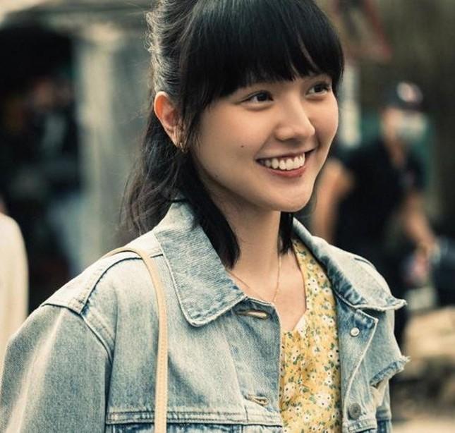 """Nhan sắc cổ điển của cô gái khiến """"sếp"""" Sơn Tùng yêu say đắm trong """"Chúng Ta Của Hiện Tại"""" ảnh 2"""