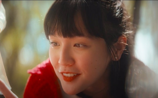 """Nhan sắc cổ điển của cô gái khiến """"sếp"""" Sơn Tùng yêu say đắm trong """"Chúng Ta Của Hiện Tại"""" ảnh 1"""