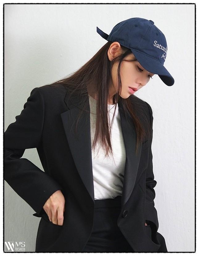 """Học ngay """"chị đẹp"""" Son Ye Jin cách dùng phụ kiện cho tóc xinh đẹp ấn tượng trong mùa Đông ảnh 9"""