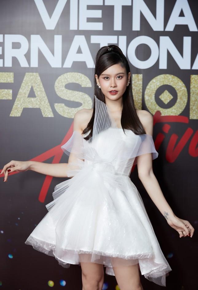"""Dàn rapper Việt đổ bộ show thời trang, """"lão đại"""" Wowy, """"chị đại"""" Suboi lên đồ cực ngầu ảnh 5"""