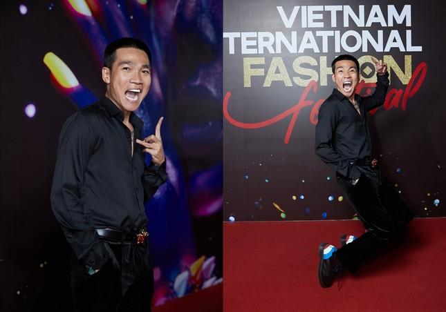 """Dàn rapper Việt đổ bộ show thời trang, """"lão đại"""" Wowy, """"chị đại"""" Suboi lên đồ cực ngầu ảnh 1"""