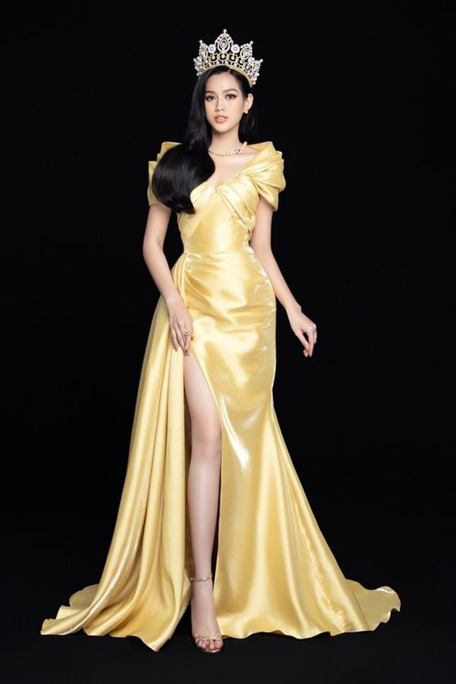 Loạt ảnh đội vương miện đẹp nhất của Hoa hậu Đỗ Thị Hà trong hơn 1 tháng sau đăng quang ảnh 4
